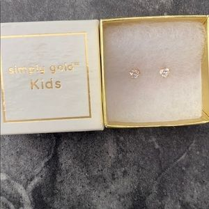 Simply Gold kids 10k gold heart studs
